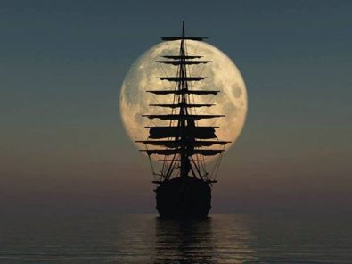 Full-moon-boat-picture